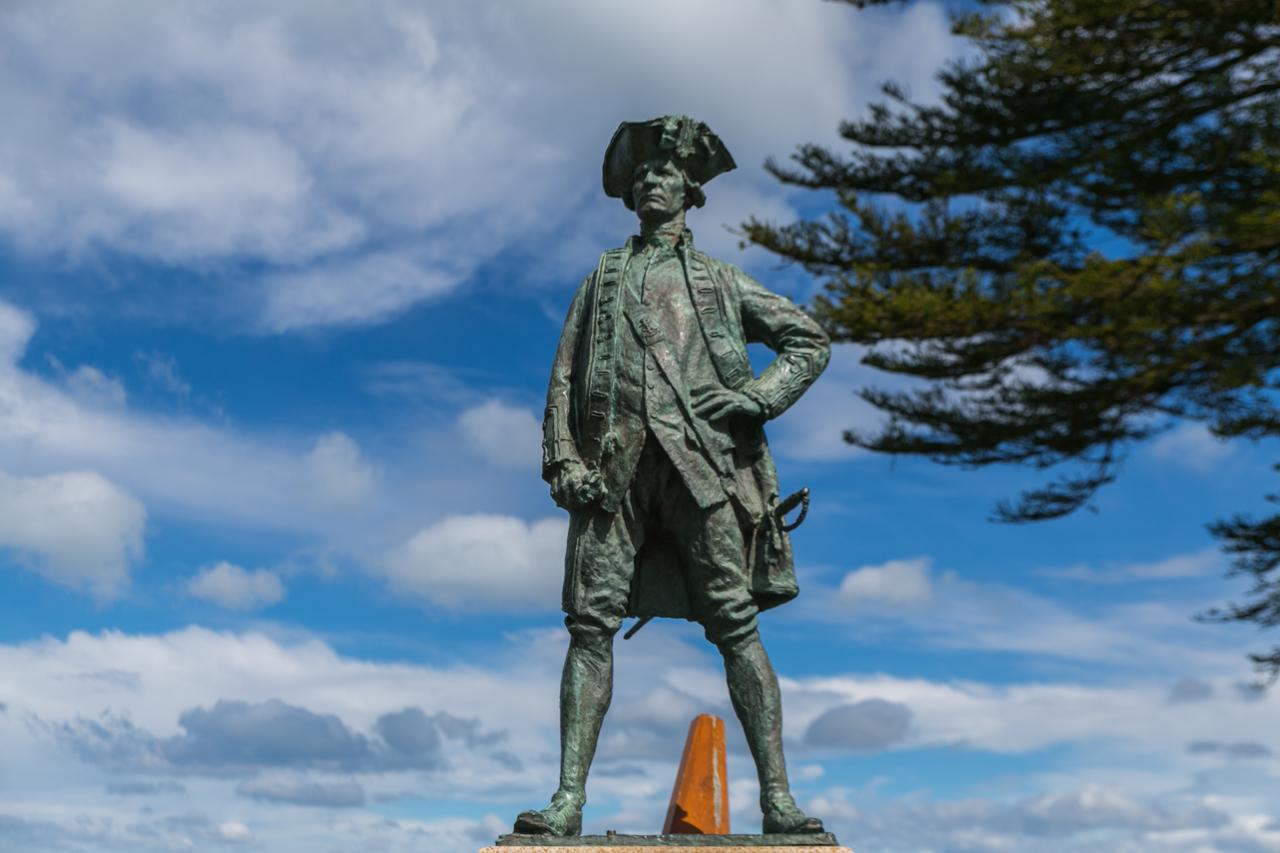 Neuseeland - Nordinsel - Ostküste - Gisborne - Denkmal für den Entdecker Neuseelands, Cook