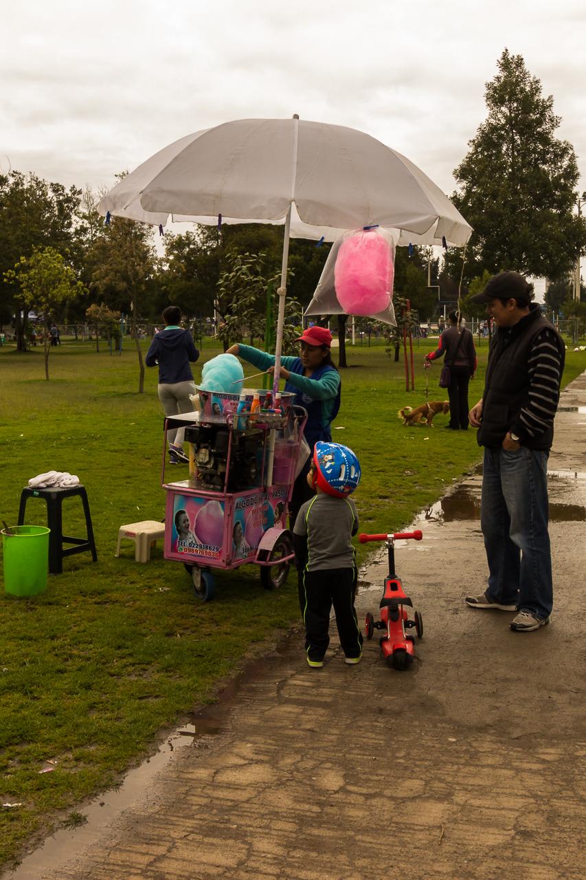 """Quito - Im Park """"La Carolina""""."""