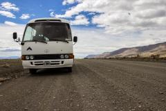 El Calafate: auf dem Weg zum Perito Moreno Gletscher - kleiner alter Bus