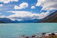 El Calafate: am Perito Moreno Gletscher - blaues Wasser durch Gletschermilch