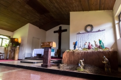 Osterinsel - Hanga Roa - in der Kirche Mischung zwischen Christentum und lokalen Einflüssen