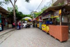 Montañita - kleine Stände mit frischen Säften und vielem mehr