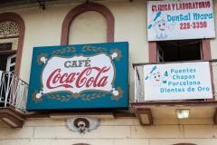 Panama City - das Cola-Cafe mit Zahnarzt daneben - clever :-)