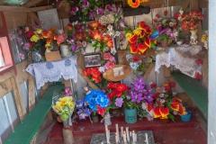 Chiloé - Cailin - fast alle Gräber sind als Gruften gebaut