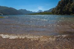 Straße der sieben Seen - Provinz Neuquén in Argentinien - auch hier ging es ins Wasser. Vermutlich die Zeit, in der das Auto ausgeräumt wurde..