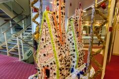 Ocean Diamond - ein wenig Weihnachtsschmuck in der Lobby