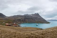Grytviken links unten und rechts hinten ist King Edward Point