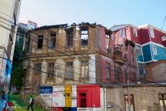 Wieder ein abgebranntes Haus - geschützt durch die UNESCO.