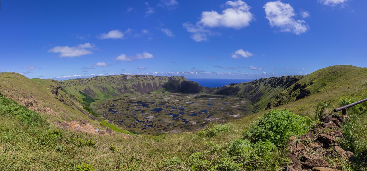 Osterinsel - Vulkan Rano Kau - Blick in den Krater