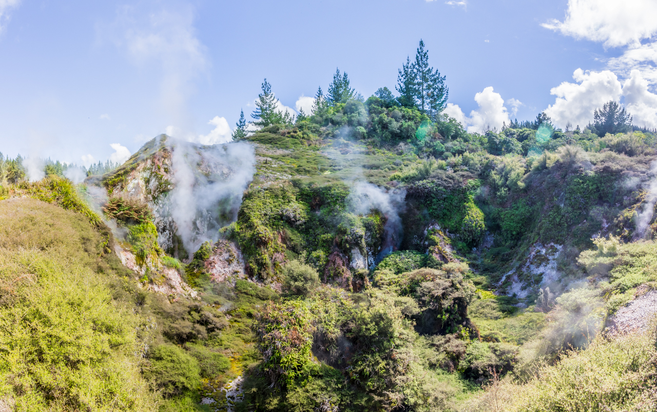 Neuseeland - Nordinsel - Taupo - Moon Crater Valley