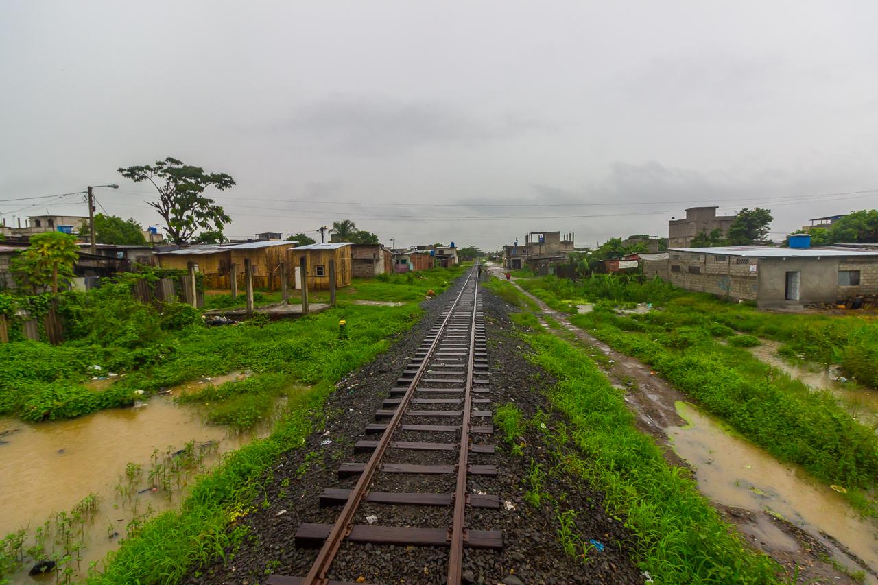 Ecuador - Tren de la Dulzura - durch kleine Dörfer