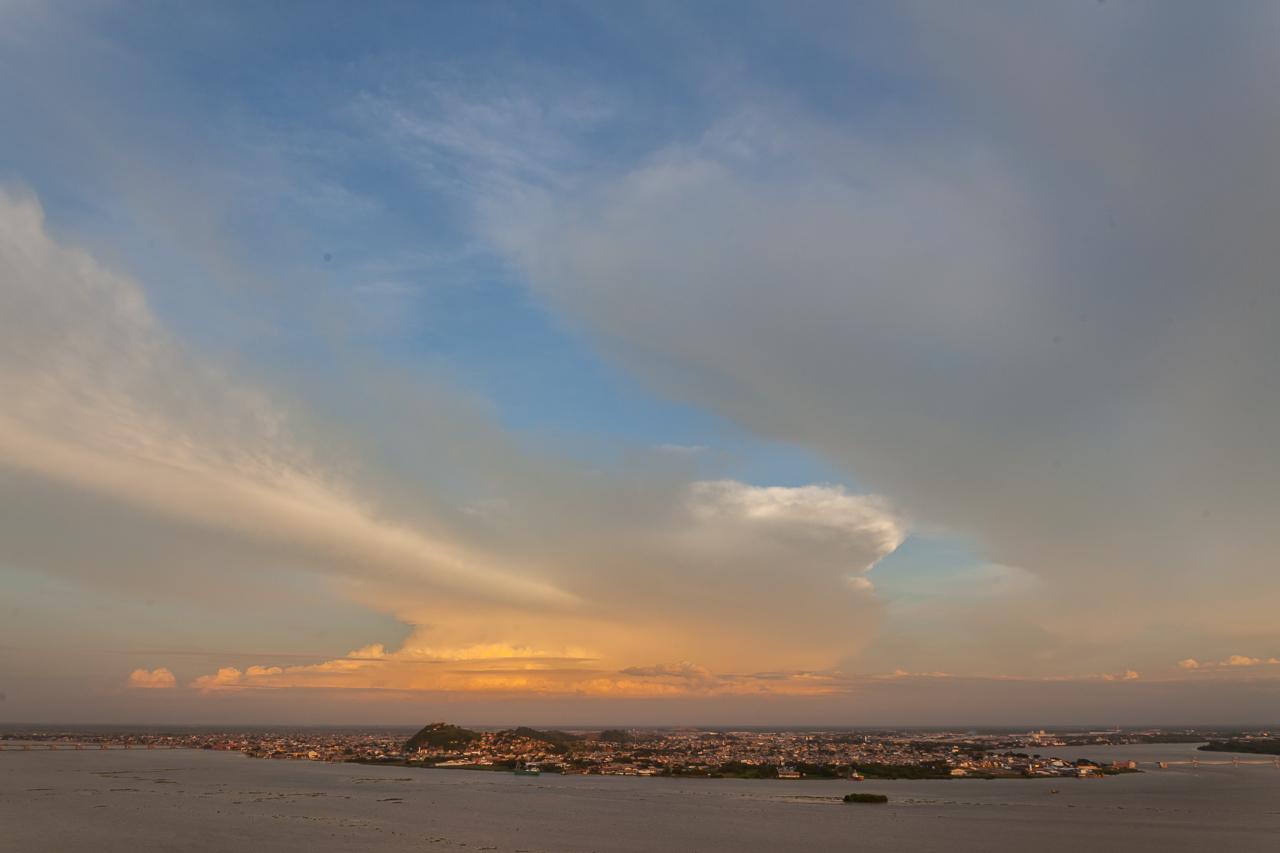 Guayaquil - Cerro Santa Ana - Blick auf Duran