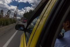 Riobamba - auf dem Weg zur Laguna de Colta - Überholmanöver in den Kurven