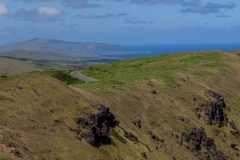 Osterinsel - Vulkan Rano Kau - im Hintergrund der Westen der Insel