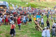 "Tapati Rapa Nui - ""Triathlon"" am Rano Raraku - kurz vor dem Ziel"