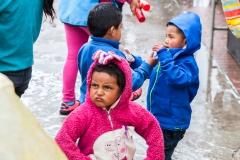 Salinas - am Plaza zum Beginn des Karnevals - die Jungs lassen mich nicht mitspielen