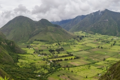 Quito - der aktive Pululahua Vulkan, die Caldera ist bewohnt
