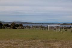 Chiloé - Cailin - der Fußballplatz. Nicht der Beste aber mega gelegen