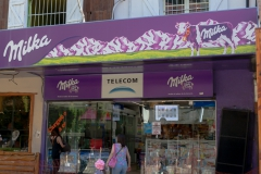 Bariloche - die Stadt ist auch Geprägt durch Schokuladen-Läden, auch aus dem Import..
