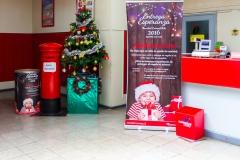 Bei der chilenischen Post kann man dem Weihnachtsmann schreiben :-)