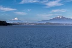 Mit Blick auf Puerto Montt und die Vulkane Osorno und Calbuco