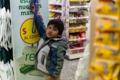 Ushuaia - wenigstens einer hat im Supermarkt Spaß ;-)