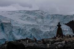 Point Wild, Elephant Island: Blick auf das Denkmal von vorne