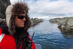 Chinstrap Camp, Elephant Island: mit dem Russen Vlad durch enge Kanäle